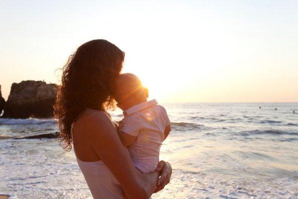 Відправив кохану і її сина на відпочинок до моря і тут різко змінив ставлення до неї. Зворотні квитки у них були при собі, харчування включено, грошей їй я вже переказав достатньо, тому на всі її телефонні дзвінки просто не відповідав