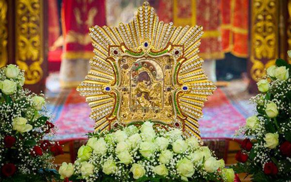 """5 серпня – день ікони Богородиці """"Почаївська"""". Саме в цей день можна для себе і рідних вимолити здоров'я"""
