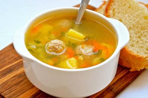 Щоб шлунок не лінився! П'ятірка найкращих супів для вашої травної системи: запрацює як годинник.
