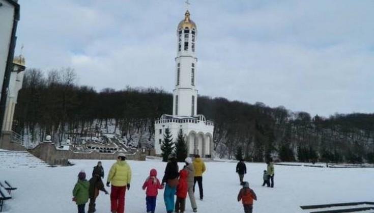 Лікарі розводять руками! «Справжнє диво» сталося на Тернопільщині. В ш0ці були навіть старші монахи і священники