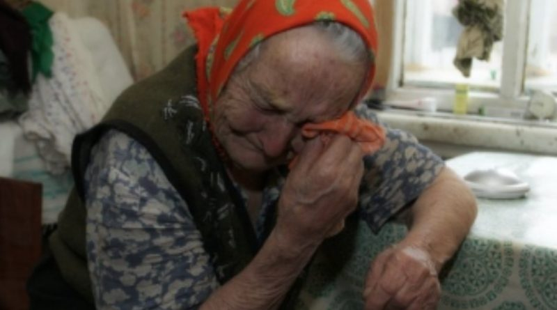 """Я довела рідну бабусю до сліз і мені зовсім не соромно. Дай мені прожuти цей день ще раз, і я не зміню своїх слів. """"Ви так і будете в місті стирчати та пахати за трьох, щоб зятю знову мазду прикупити та дочки соплі витирати!"""" – так і сказала їй"""