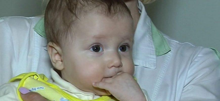 Мати не могла зрозуміти, чому її дитина почала сильно задихатися … Це є практично в кожному будинку!