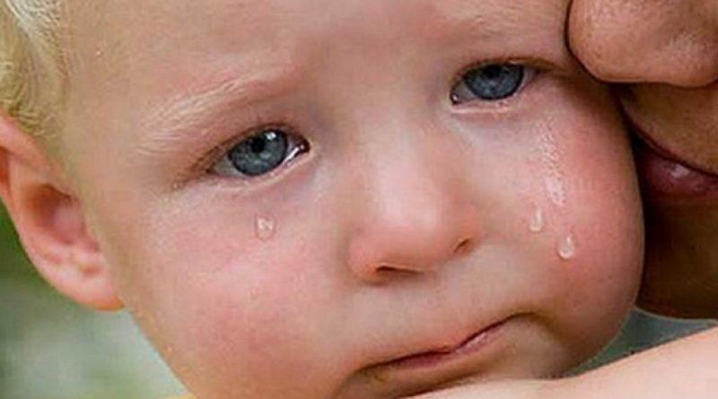 Чотирирічний Сашко лежав на ліжку і плакав … Не розумів, куди зникли його мама і тато …