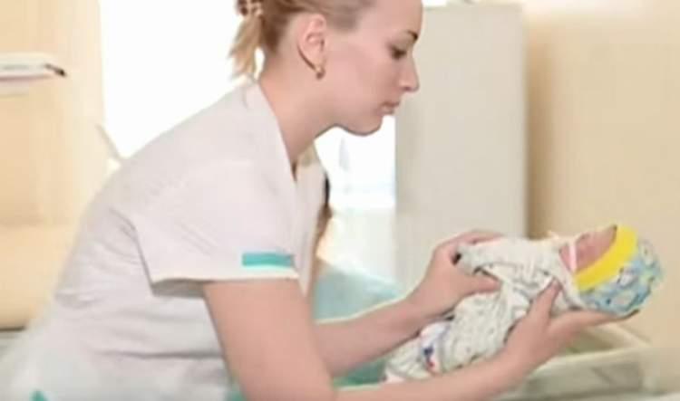 Дівчина Олена народила незвичайну трійню: таке вперше у лікарській практиці