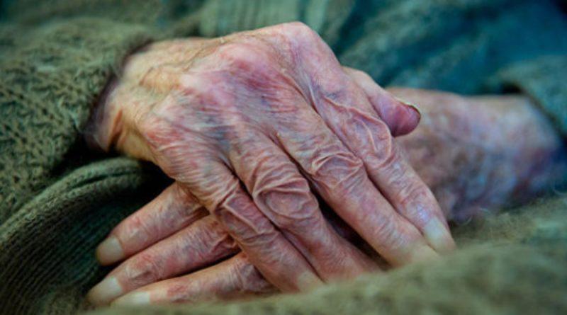 Залишаючи стареньку матір у селі одну, сини і не сподівались що через рік на них чекатимуть такі зміни
