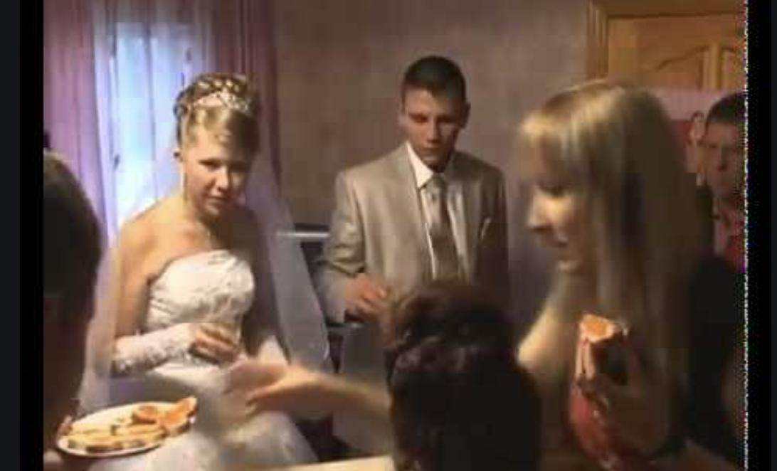 Гості завмерли! Під час весілля наречений заявив нареченій, що любить іншу. Коли він показав на неї, всі були в ш0ці…