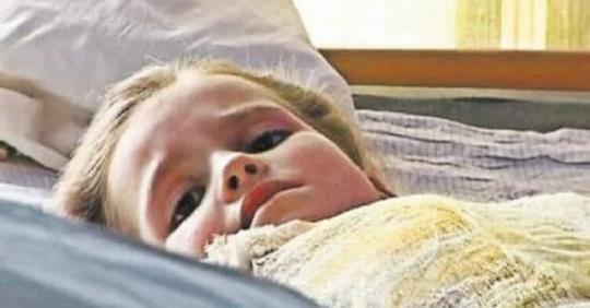 Пам'ятаєте легендарну Настю Овчар, яку всім світом рятували від опiків, тепер подивіться як вона зараз виглядає ..