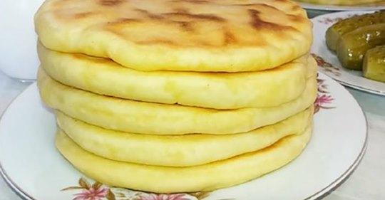 Картопляно-сирні пляцки на сковорідці без краплі олії! Такого ви ще не готували!