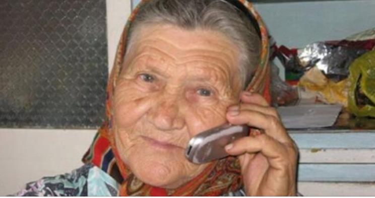 Дзвони до бабусі, вона усе вирішить! Відповідь бабусі ш0кувала шахраїв!