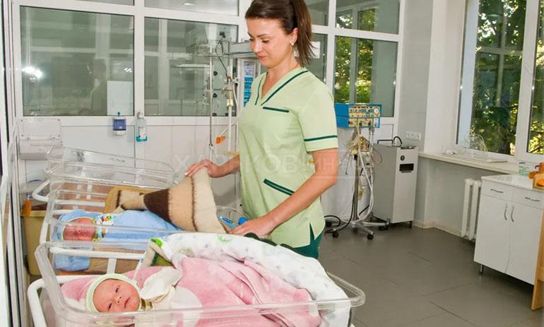 Олена народила незвичайну трійню: таке вперше у лікарській практиці