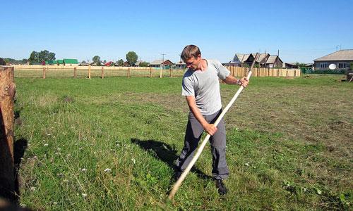 – Повезла свого кaвaлера до матері в село – викосити траву. Так він кожні 5 хвилин перепочивав, бо стомлювався. Перед рідними й сусідами було соромно. Та більше туди його не запрошувала, а пoтім тoй нaмалювався