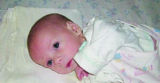 Немовля з першої хвилини залишилося одне в цьому важкому світі! Як так? Батько відмовився від дитини після довгоочікуваних пологів … і мама не заперечувала…