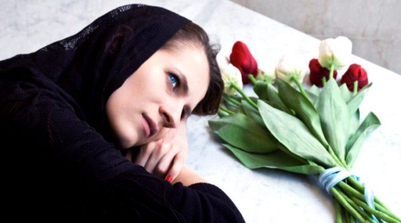 Вночі бліда, як стіна, мама розбудила Марію і тихо їй прошепотіла: «Богдана більше немає на цьому світі…»