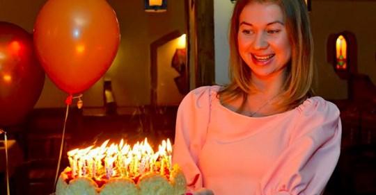 Жінка запросила гостей на день народження свого чоловіка, але після подарунку сусідки пішла і подала на розлучення