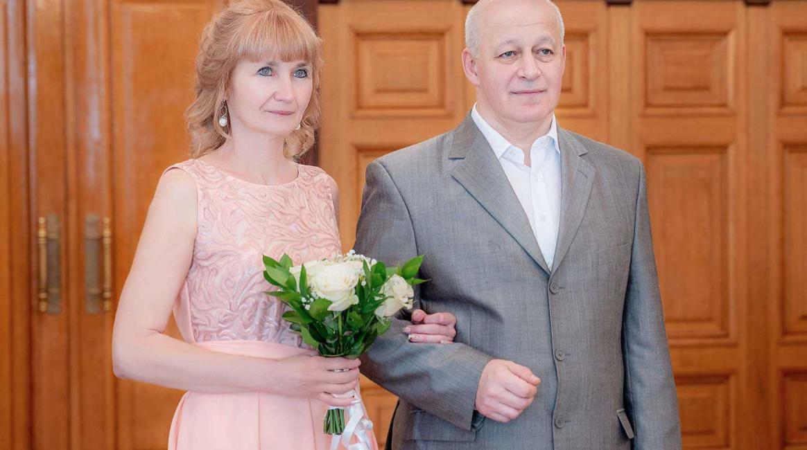 Мені 57 років і нещодавно я вийшла заміж. Думала, що будемо разом старіти, відпочиваючи і розважаючись. Уже планувала спільні поїздки і подорожі. Мріяла, як це буде романтично і красиво. Але в підсумку все виявилося зовсім по-іншому